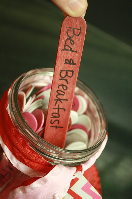 Pinterest Pin of the Day: Date Night In a Jar