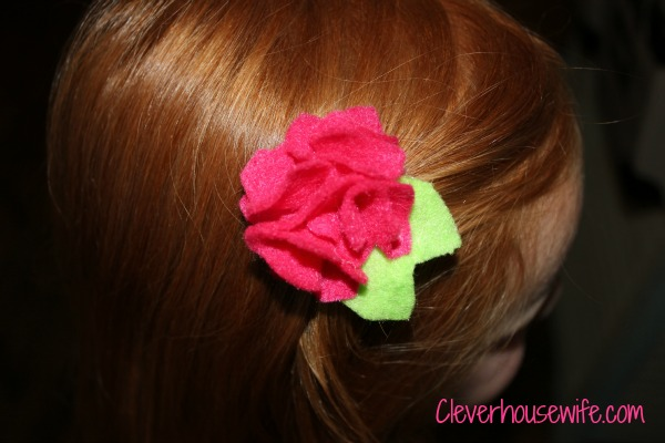 DIY Felt Flower Hair Clips