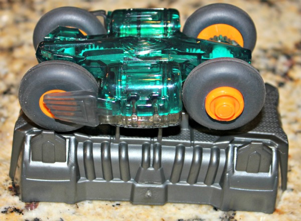 hot wheels stunt charger