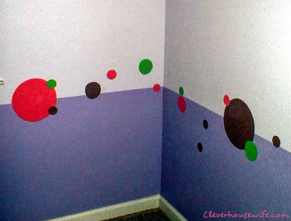 How to paint polka dots for a kids' room