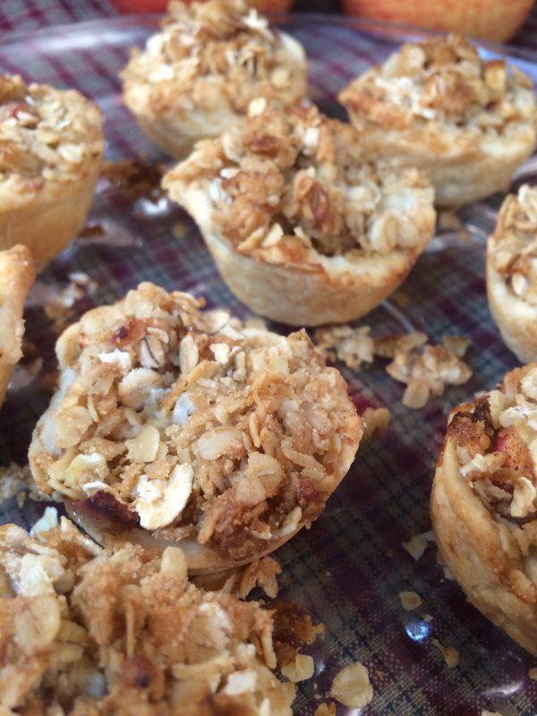 Bite-Sized Dutch Apple Pies