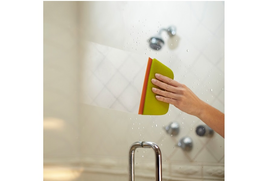 Deep Clean Your Bathroom in 10 Minutes or Less