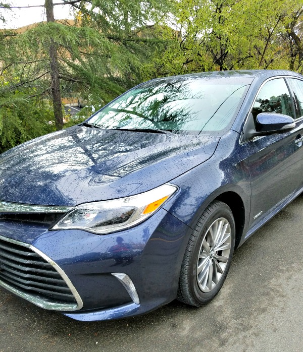 Pros and Cons for the 2017 Toyota Avalon