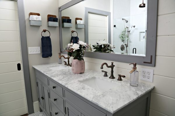 Farmhouse Chic Master Bath Reveal