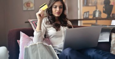 Credit Card and online shopping