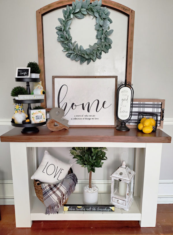 Decorating a Farmhouse Console Table