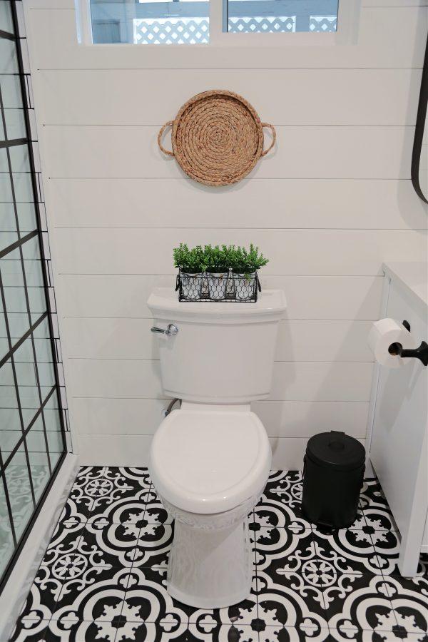 Farmhouse Bathroom Toilet